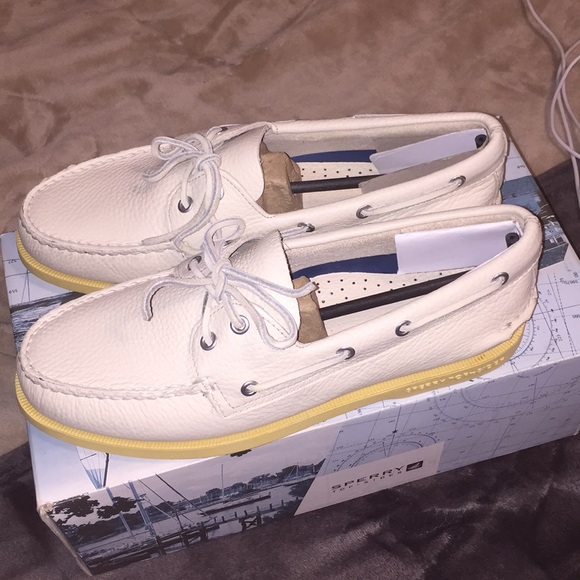 Sperry Other - Sperry Top-Sider A/O Ice (White) Size 9.5